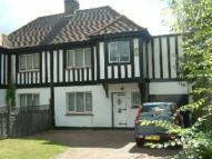 semi detached home to rent in Coulsdon, Surrey