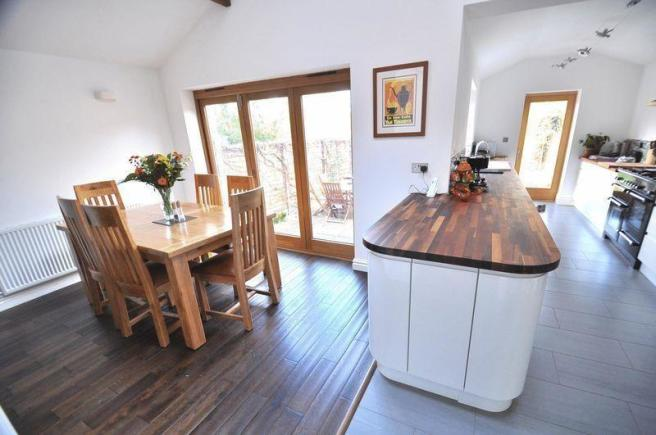 3 bedroom semi detached house for sale in swanshurst lane for Kitchen ideas 3 bed semi