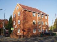 2 bedroom Flat in London Road...
