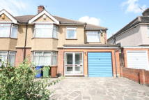 WARD AVENUE semi detached house to rent