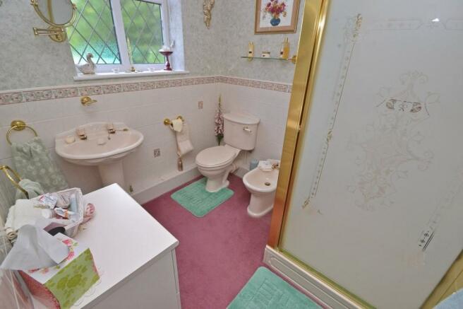 Bedroom Two En Su...