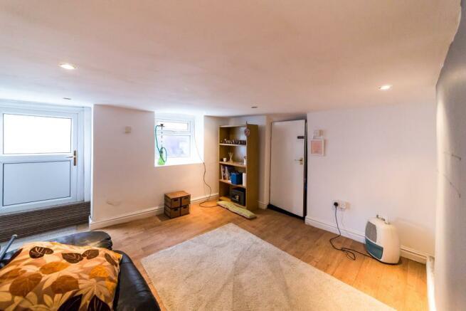 Basement room/ bedro