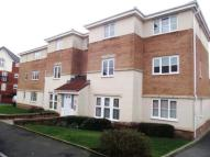 2 bedroom Flat in Chestnut Grove, Hyde...
