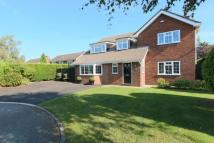 4 bed Detached house in Broomfield Close...