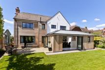4 bed Detached property in The Common, Cranleigh