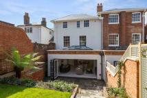 4 bed Terraced property in Quarry Street, Guildford...