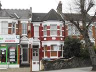 Flat to rent in Bowes Road, Arnos Grove