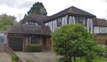 5 bedroom Detached property to rent in Holland Close, Stanmore