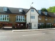 2 bed Apartment to rent in Streamside Close...