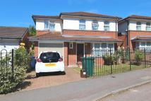5 bedroom Detached house in Tayside Drive, Edgware