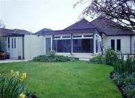 2 bedroom Bungalow in Uxbridge Road, Harrow