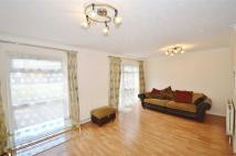 3 bed semi detached house to rent in Howard Close, London