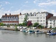 1 bed Apartment in River Terrace...