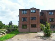 Flat to rent in Coventry Close...