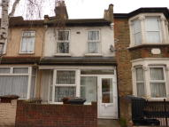 2 bedroom Terraced property to rent in Walthamstow, E17