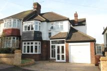 semi detached house in Woodford Green, IG8