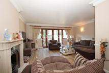4 bed semi detached home in Woodford Green, IG8