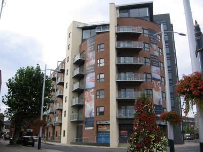 Studio flat for sale in excelsior princess way swansea for 1 furniture way swansea