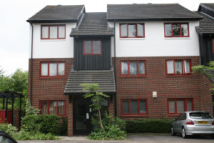 Apartment in West Quay Drive, Hayes...