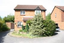 2 bedroom semi detached property in Abbotswood Way, Hayes...