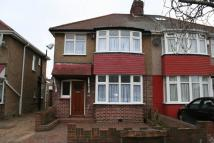 3 bed semi detached home to rent in Hitherbroom Road, Hayes...