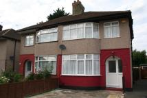 3 bedroom semi detached house in Maple Road, Hayes...
