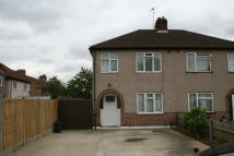 Apartment to rent in Willow Tree Close, Hayes...