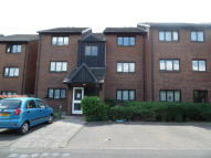 2 bedroom Apartment in West Quay Drive, Hayes...