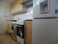 Studio flat in Station Road, Hayes...