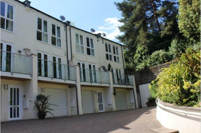 Surrey Gardens, Westbourne, BH4 9JD