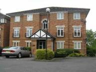 Flat to rent in Alwyn Gardens, Hendon...