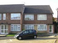 2 bed Flat in Hillview Gardens, Hendon...