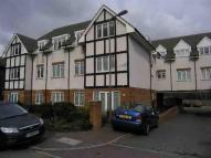 2 bed Flat to rent in Great North Way, Hendon...