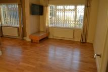 Flat to rent in Sunningfields Road...