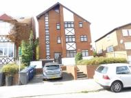 Sunny Gardens Road Flat to rent