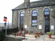 2 bedroom Terraced house to rent in Knowl Bank, Golcar