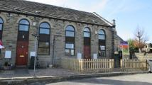 2 bedroom Terraced property to rent in Knowl Bank, Golcar