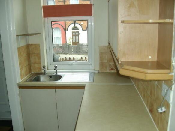 2 bedroom property to rent in gilpin terrace leeds ls12 for 136 the terrace wellington