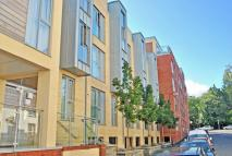 Flat to rent in Armidale Place...
