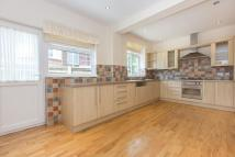 4 bed Flat in North End Road, NW11