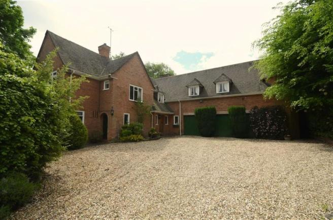 Halls Estate Agent Properties For Sale By Chaddesley Corbett