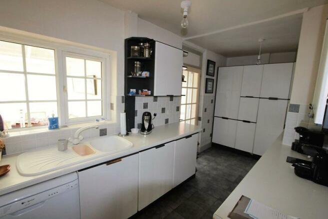 Kitchen (diffe...