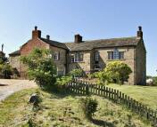 Farm House for sale in Upper Batley Low Lane...