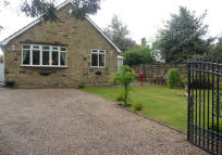 4 bed Detached Bungalow for sale in Carlinghow Hill...