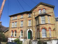 Apartment to rent in Cliff Road, Cowes...
