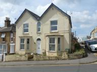 1 bedroom Flat in Victoria Road, Cowes...