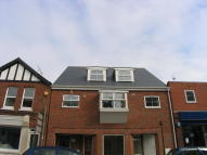 2 bed Flat in YORK AVENUE, East Cowes...