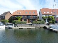 4 bed semi detached property in Hythe Marina Village