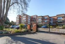 Flat for sale in Woodhurst South...