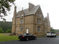 2 bed Apartment in Dill Hall Brow...
